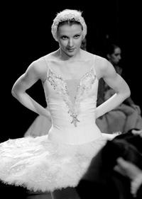 Hermitage Theatre prima ballerina Alena Klochkova. Click to enlarge