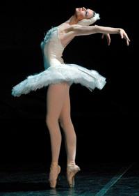 Hermitage Theatre prima ballerina Tatiana Serova. Click to enlarge